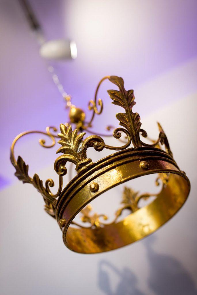 Vogue International Crown